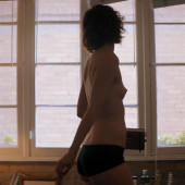 Mary Elizabeth Winstead topless scene
