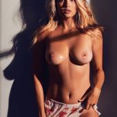 Megan Moore nude pics