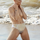 Megan Rapinoe topless
