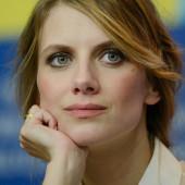 Melanie Laurent hot