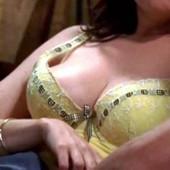 Melanie Lynskey sex scene