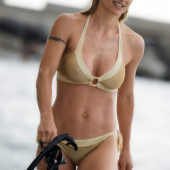 Michelle Hunziker strand