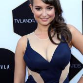 Milana Vayntrub sexy