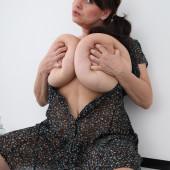 Melissa Rauch Brüste