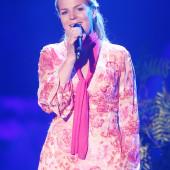 Mirja Boes kleid