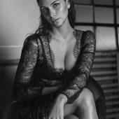 Morena Baccarin cleavage