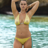 Myla Dalbesio hot
