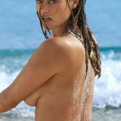 Myla Dalbesio topless