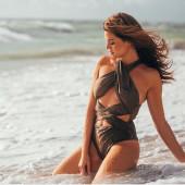 Nadine Klein sexy