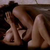 Natasha Henstridge nackt scene