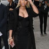 Nicki Minaj dekollete