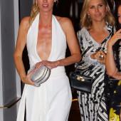 Hilton nackt Nicky  Paris Hilton