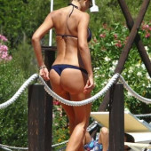 Nicole Minetti tanga