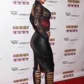 Nicole Mitchell Murphy sexy