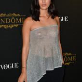 Nicole Warne braless
