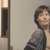 Nicolette Krebitz oben ohne