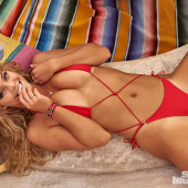 Nina Agdal body
