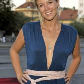 Nina Eichinger ohne bh