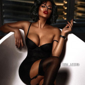 Nita Kuzmina cleavage