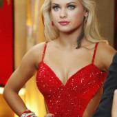 Oksana Platero cleavage