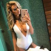 Olivia Attwood cleavage