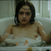 Olivia Cooke nude
