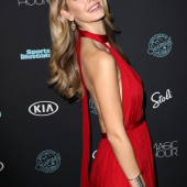 Olivia Jordan braless