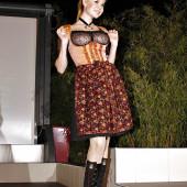 Palina Rojinski oben ohne nackt