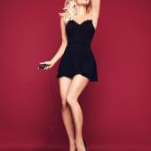 Pamela Anderson legs