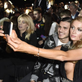 Paris Hilton tit slip