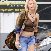 Paris Jackson nipple piercing