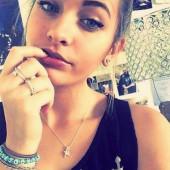 Paris Jackson selfie
