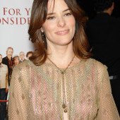Parker Posey braless