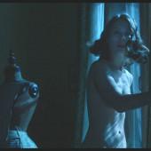 Paula Beer naked scene