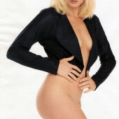 Peta Wilson naked