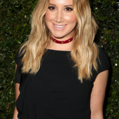Ashley Tisdale sexy