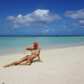 Pia Mia Perez beach