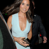 Pippa Middleton dekollete