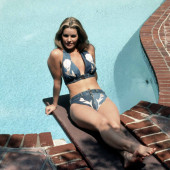 Priscilla Presley bikini