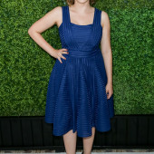 Rachel Bloom feet