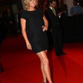 Rachel Hunter feet