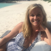 Reese Witherspoon beach