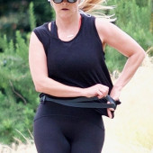 Reese Witherspoon cameltoe