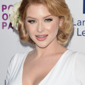 Renee Olstead braless
