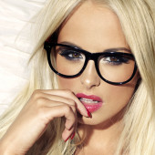 Rhian Sugden glasses wallpaper
