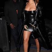 Rihanna body