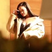 Rihanna dekollete