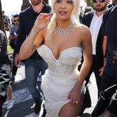 Rita Ora dekollete