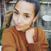 Rona Oezkan sexy