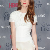 Rose Leslie hot